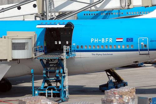 KLM cargo door